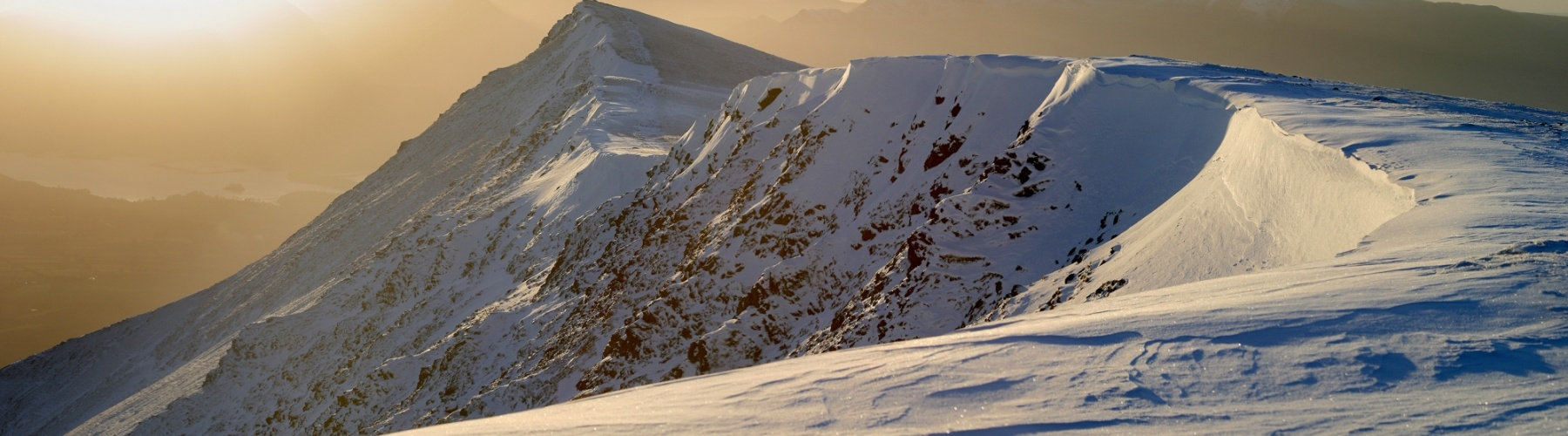 P0057-Corniced-Ridge-on-Bencathra